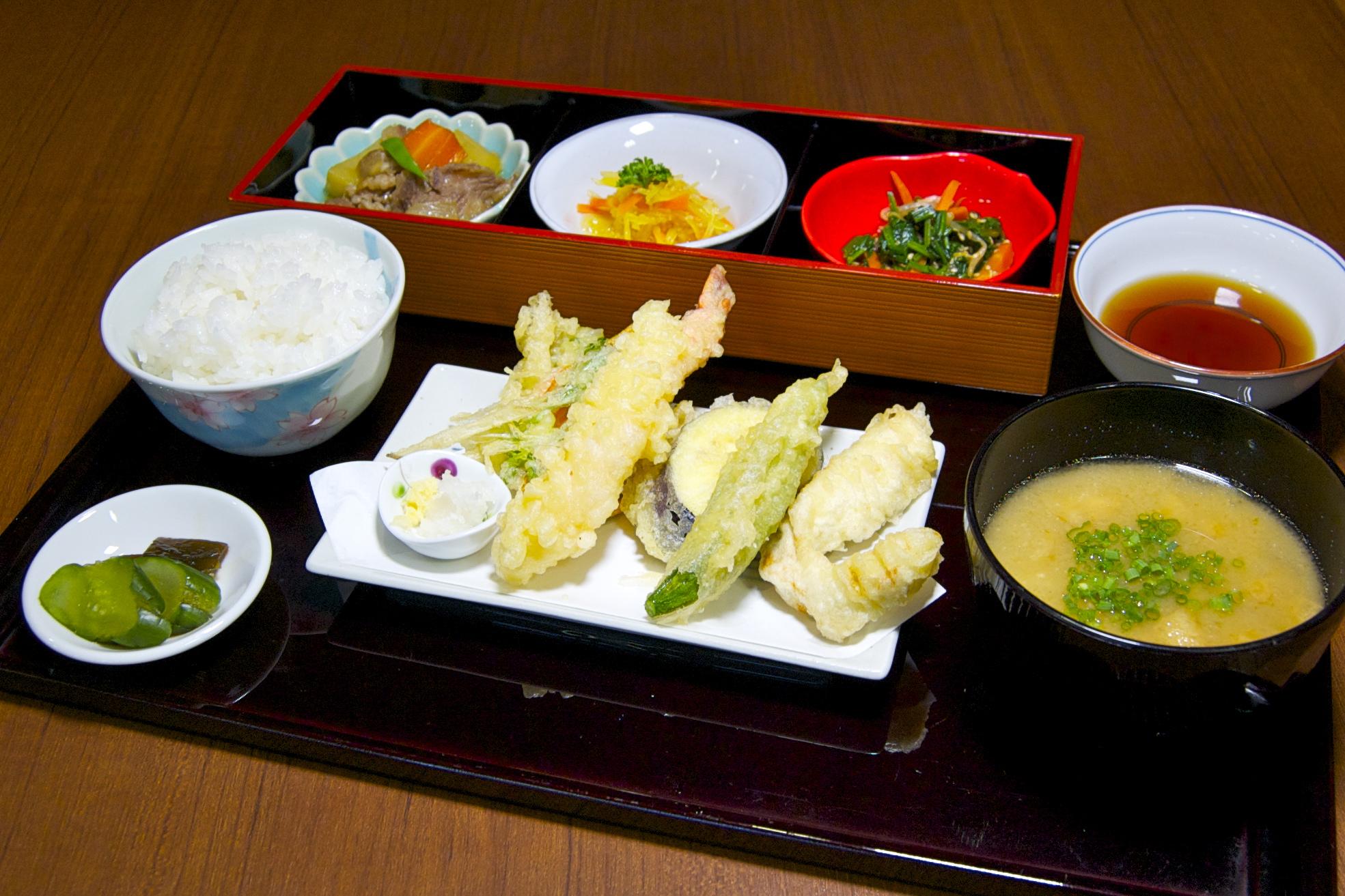 三瀬村産コシヒカリのお米を一番美味しく食べていただけるご膳をご準備しています。
